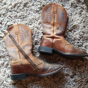 Ariat Equipped